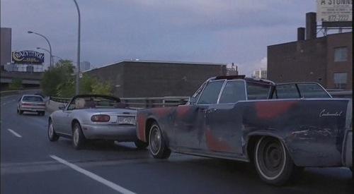 """Mazda Miata és Lincoln Continental Mark 3 David Cronenberg """"Karambol"""" című filmjében"""