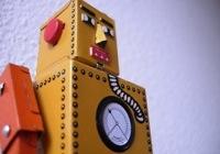 Fémlemezből készült Robot Lilliput