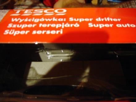 Tesco Super Drifter doboza, helytelen magyar fordítással