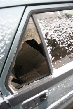 Alfa Romeo 75 Nord betört hátsó ablaka