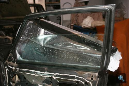A szerző Alfa Romeo 75-jének új ablaka