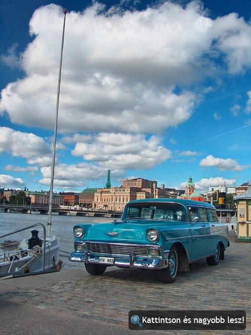 Régi égszínkék Chevy Nomad Stockholmban. Fotó: krajci