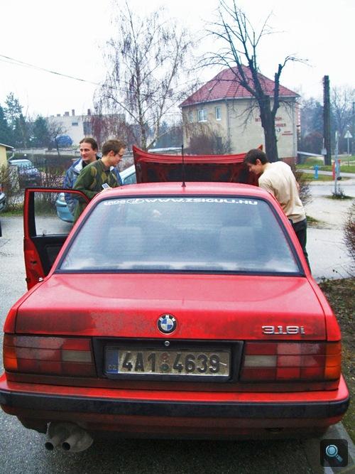 Zita M30-motoros BMW E30 318i-je. Fotó: Tommi
