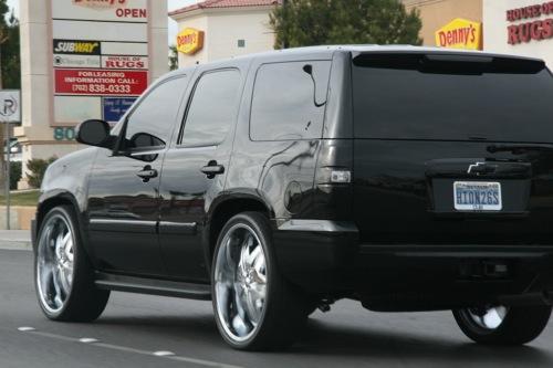 Fekete Chevrolet Tahoe. Fotó: AlieN