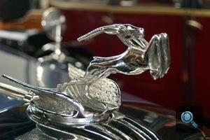 1932-es Chrysler szarvasforma orrdísze