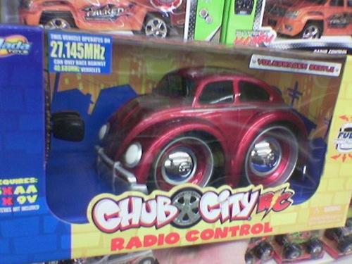 Chub City gyártmányú, Volkswagen Bogár formájú játékautó. Fotó: Bee(Tm)