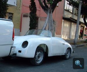 Fehér Porsche 356 kabrió Mexikóvárosban