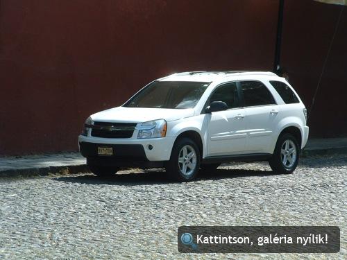 Fehér Chevrolet Equinox Mexikóvárosban