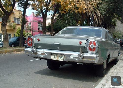 1966-os Ford Galaxie hátulról