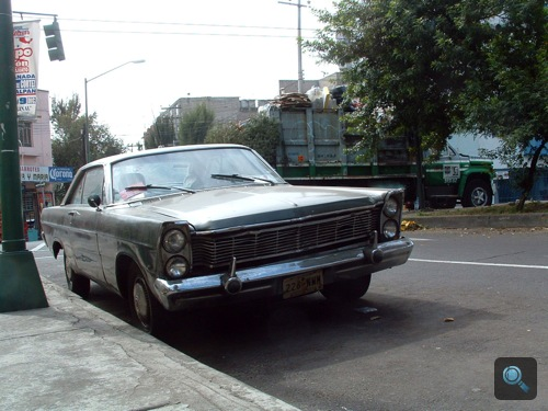 1966-os Ford Galaxie szemből