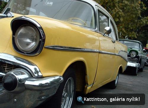 Sárga Chevrolet Bel Air oldalról