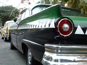 Ford Fairlane bal hátulról