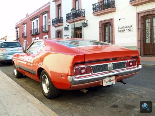 Mustang Mach 1 Mexikóvárosban, hátulról