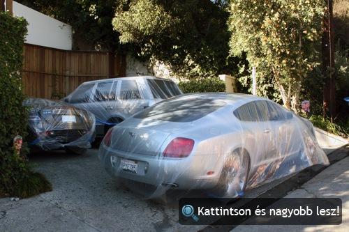 Paris Hilton lefóliázott Bentley Continental GT-je, Mercedes-Benz SLR McLarene és Range Rovere