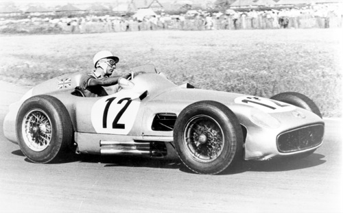 Stirling Moss az 1955-ös brit Grand Prix-n a Mercedes-Benz W196-ban. Forrás: Mercedes-Benz