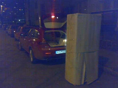 Alfa Romeo 159 SW és a belepakolandó szekrény