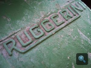 Ruggerini traktor emblémája