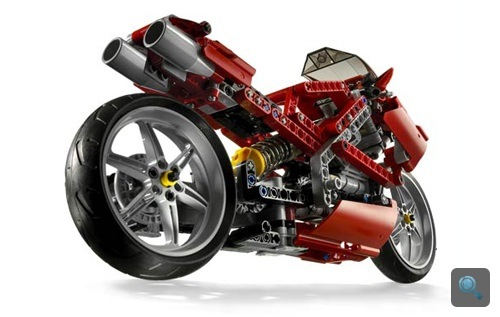 Lego-motor. Forrás: Hell For Leather