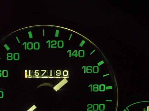 A szerző Mazdájának kilométerórája 157 ezernél