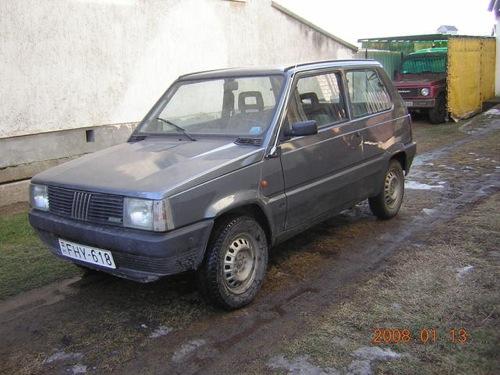 Szürke Fiat Panda. Forrás: Használtautó.hu