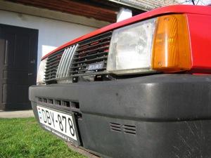 Piros Fiat Panda. Fotó: Rácz Tamás