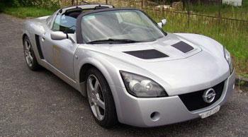 Opel Speedster: ki beszélt itt higgadtságról?