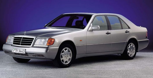 Ilyen a W140-es, amikor új. Bontás előtt is így szoktak kinézni ezek