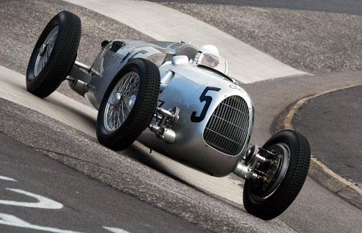 A háború előtt csak versenyautókat hívtak Auto-Unionnak. Ez egy Typ C