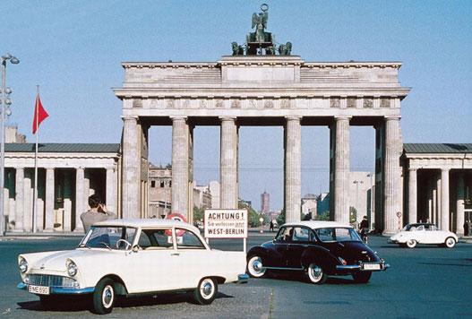 Ez maradt a csillogásból: háború utáni DKW Junior és Auto-Union 1000. A kettőnek össesen van négy üteme