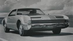 Oldsmobile Toronado. Ki hitte volna, hogy ezek után bedől a cég?