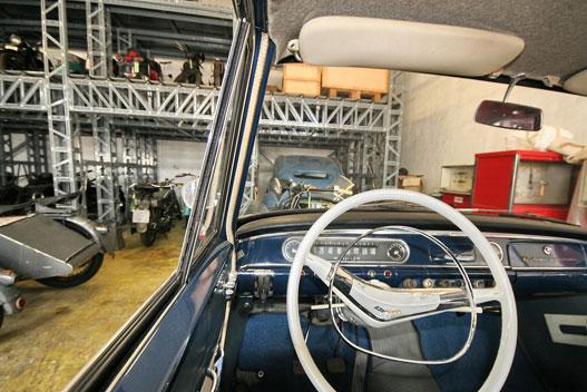 Egy Opel soha el nem kopó kormánya mögül szép a világ