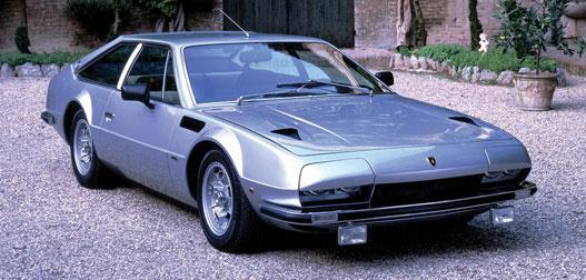 Túl rövid és ólomnehéz. Jarama, ami egyébként Ferruccio Lamborghini kedvenc autója volt