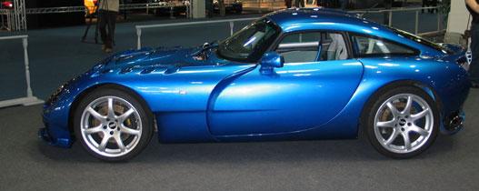 Ez egy létező autó és meg lehet vásárolni (TVR Sagaris)