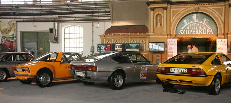 Matrák generációi. Egy 530 LX (volt a Totalcarban is), egy Bagheera, meg egy Murena az elkészült alig 200 darab 2,2-es motorú közül