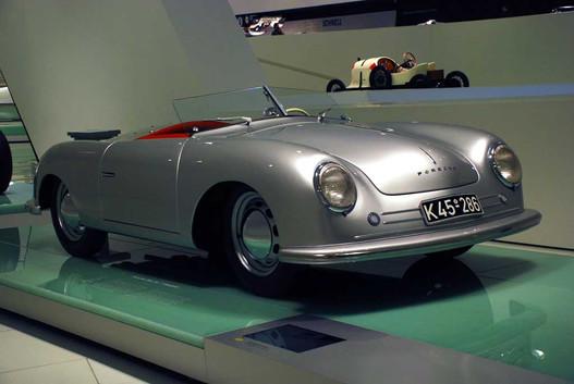 Az első Porsche nevű autó