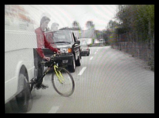 Ezt a biciklist elcsaptam, mint a pinty. Szerintem ő nem vette észre a dynomen helyzetet...