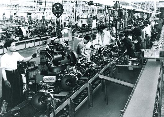 Motorok összeszerelése a hőskorban