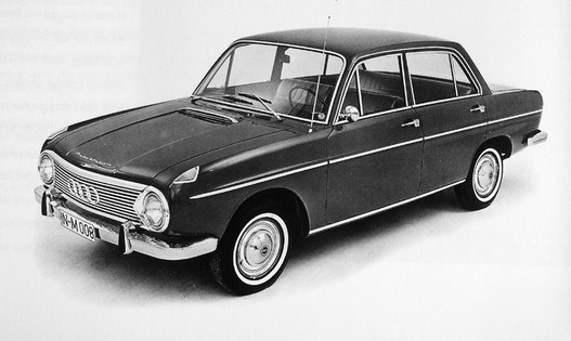DKW F102. Ugye látják benne a kicsivel későbbi Audikat?
