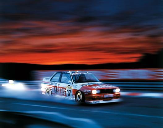 Versenyzés közben. Forrás: BMW World