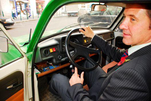 Steven Fisher nem dacból, hanem igazi Trabant-szeretetből vett ilyen autót