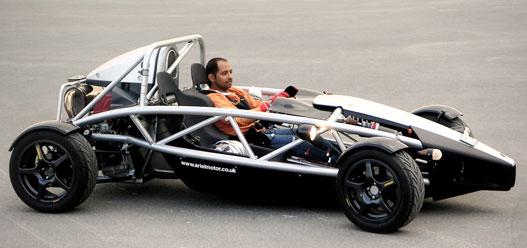 Ariel Atom, hátul Civic Type-R 220 lóerős motorral