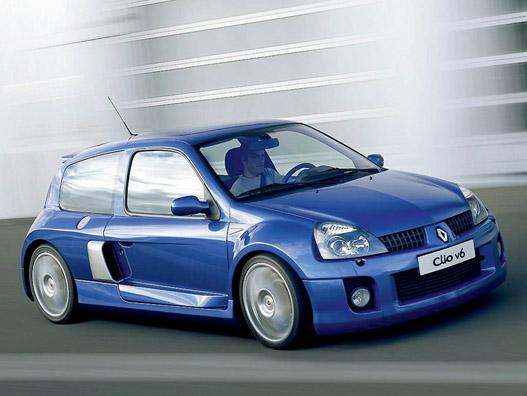 Renault Clio RS. Most senkit sem érdekel, de ha húsz év múlva kiderül, milyen stabilak voltak, talán kikérik őket versenyezni