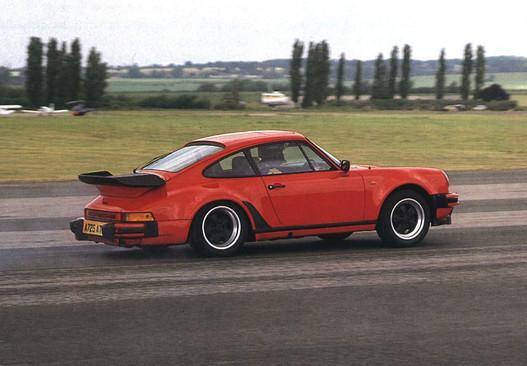 911 Turbo. Ferrari-menés féláron