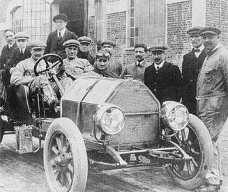 Felice Nazzaro azon a bizonyos 1908-as Coppa Florión, ami Ferrarit elindította