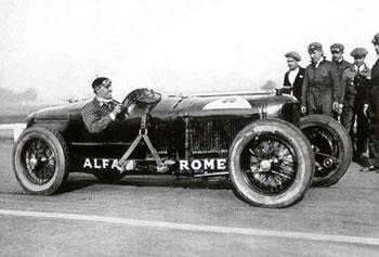 P2, az Alfa Romeo egyik első legendás versenykocsija. Ilyennel ment még Ferrari is