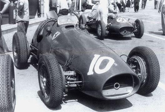 Vajon az ott kurblilyuk középen? Minden idők legsikeresebb Ferrari-versenyautója volt a kis 500 F2. Fogyasztással nyert