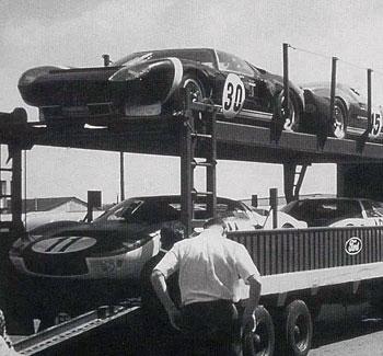 Nyúzópróbára érkezett GT 40-ek 1965-ben