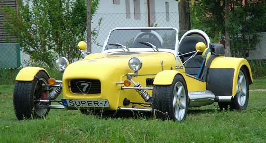 Ránézésre Lotus, de Opel alkatrészekből készült