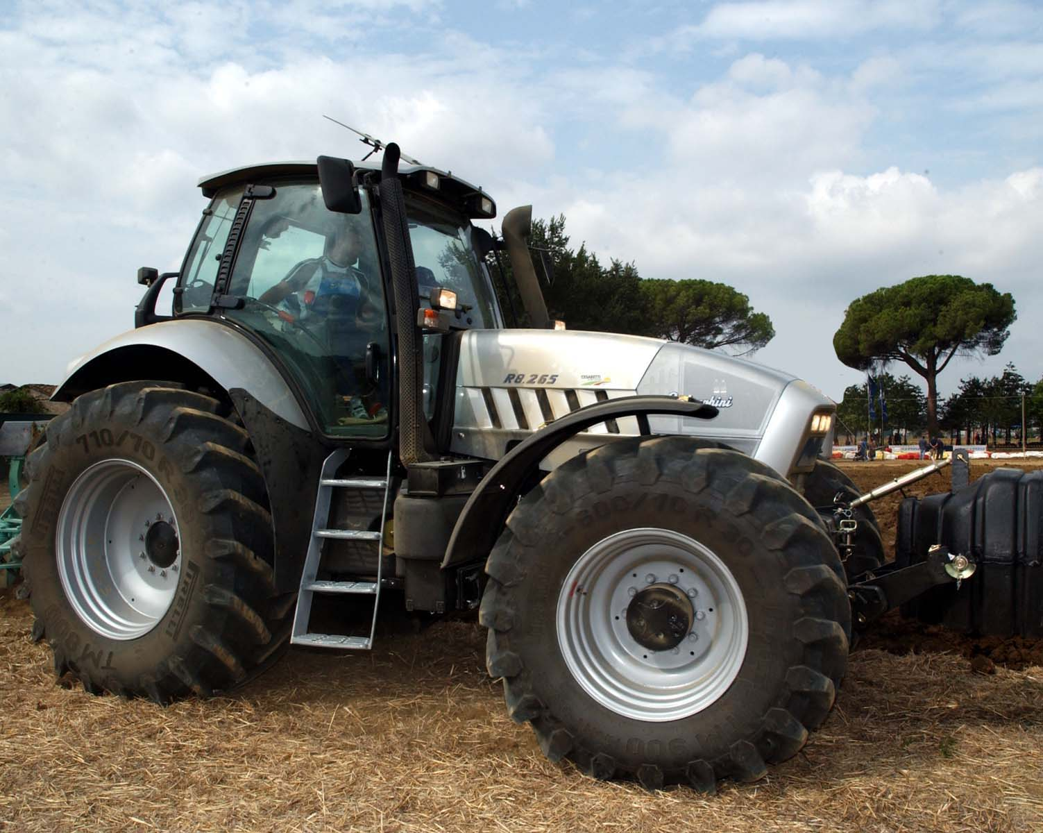 Смотреть відео тракторів 13 фотография