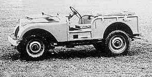 Hisz ez egy Jeep! Az első Land-Rover prototípuson erősen érezni az ami hatást. A motor itt még 1,4-es volt